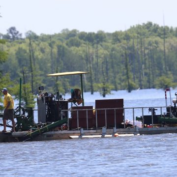 Arkansas GFC Cutting New Roads on Lake Conway